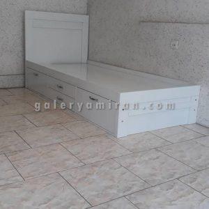 تخت تک نفره و ۲نفره دارای رنگ بندی چوب و رنگ بندی لمسه دارای ۲سال ضمانت